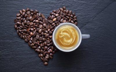 Le proprietà del caffè: tra scienza e folklore